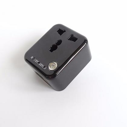 高性能のacアダプター型カメラ 小型隠しカメラ スパイカメラ 1080P高画質